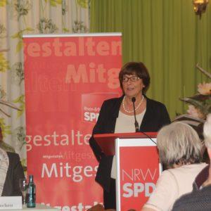 Lebhafte Diskussionen mit der ehemaligen Bundesgesundheitsministerin Ulla Schmidt