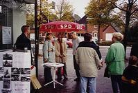 Die Bedburger SPD sammelt Unterschriften für die Einrichtung des Disco-Busses.