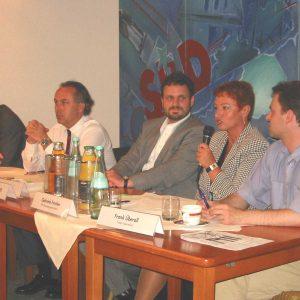 Diskussionrunde zum Thema Medien und Politik